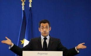 """Le président Nicolas Sarkozy a annoncé jeudi des mesures """"exceptionnelles"""" de soutien à l'économie, dont la principale est la création d'un fonds d'investissement souverain à la française pour les entreprises en difficulté."""