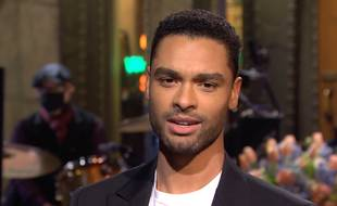 L'acteur Regé-Jean Page dans le «Saturday Night Live»