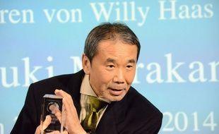 Haruki Murakami, reçoi un prix à Berlin, le 7 novembre 2014.