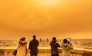 Du sable colore le ciel lyonnais, le 6 février 2021.