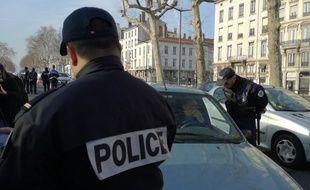 Lors d'un contrôle de police mené le 28 février à Lyon, où la circulation différenciée a été mise en place en pleine alerte à la pollution.