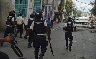 La police haïtienne lors d'une manifestation anti-gouvernement, le 7 févirer 2019 à Port-au-Prince.