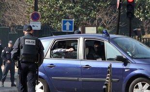Un des frères d'Abdelkader Merah, mis en examen pour complicité d'assassinats dans l'enquête sur les tueries de Toulouse et Montauban, a affirmé devant les enquêteurs que ce dernier était antisémite et l'avait toujours été, a-t-on appris mardi de source proche du dossier.