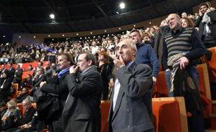 Sifflets des patrons rassemblés le 3 décembre 2014 à Lyon pour protester contre la politique du gouvernement