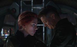 Scarlett Johansson et Jeremy Renner dans Avengers : Endgame de Joe et Anthony Russo