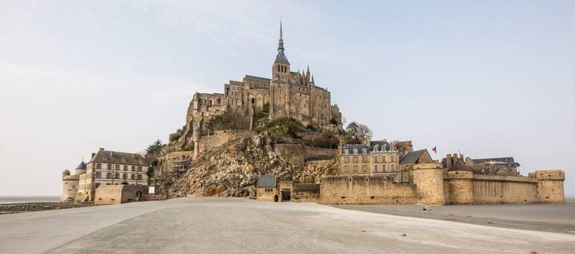 Le Mont Saint-Michel vidé de ses touristes en raison du confinement