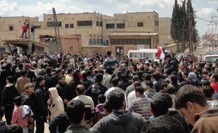 Des Syriens crient liberté lors d'une manifestation dans la région de Dael, près de la ville de Deraa, dans le sud de la Syrie, le 25 mars 2011