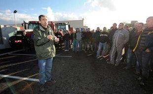 Eleveurs bovins, industriels et distributeurs ont trouvé un accord mercredi, après des mois d'absence de dialogue, sur une petite hausse des prix de la viande pour les éleveurs, ouvrant la voie à la levée du blocus des abattoirs du groupe Bigard, numéro un du secteur.