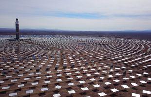Vue générale de la centrale solaire de Cerro Dominador, dans la région d'Antofagasta, au nord de Santiago, Chili, le 8 juin 2021.