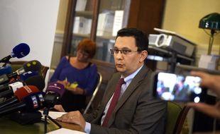 Le procureur de la République de Reims Matthieu Bourrette, ici lors de la conférence de presse donnée après l'agression au couteau d'un collégien par un camarade.