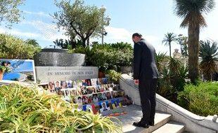 Le Premier ministre français Jean Castex rend hommage aux victimes de l'attentat de Nice, lors d'une cérémonie marquant le 5e anniversaire d'une attaque au camion djihadiste, qui a tué 86 personnes le jour de la prise de la Bastille sur la Promenade des Anglais, le 14 juillet , 2021.