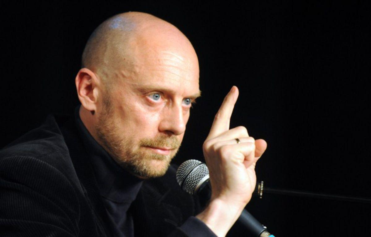 Alain Soral, lors d'une conférence de presse le 4 juin 2009, à Paris. – BORIS HORVAT / AFP