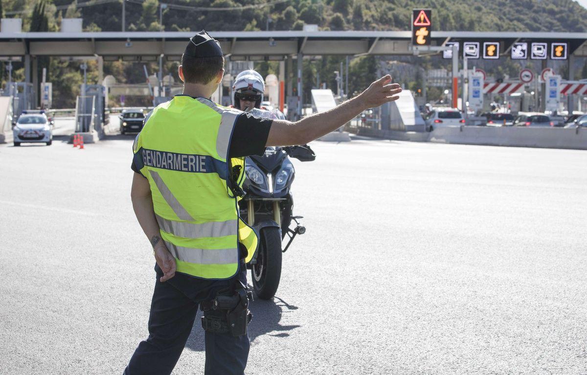 Un contrôle proche de la frontière italienne. – SIPA