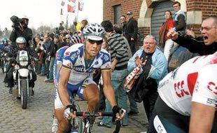 Avec le forfait de Cancellara, Boonen apparaît comme le grand favori du 110e Paris-Roubaix qui se court dimanche.