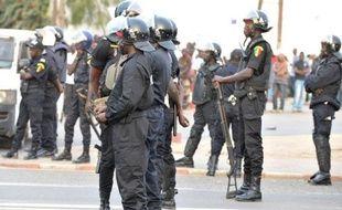 Des affrontements opposaient mercredi sur le campus de l'université publique à Dakar les forces de l'ordre à des étudiants protestant contre la mort la veille d'un des leurs lors de la dispersion d'un rassemblement de l'opposition par la police, a constaté un journaliste de l'AFP.