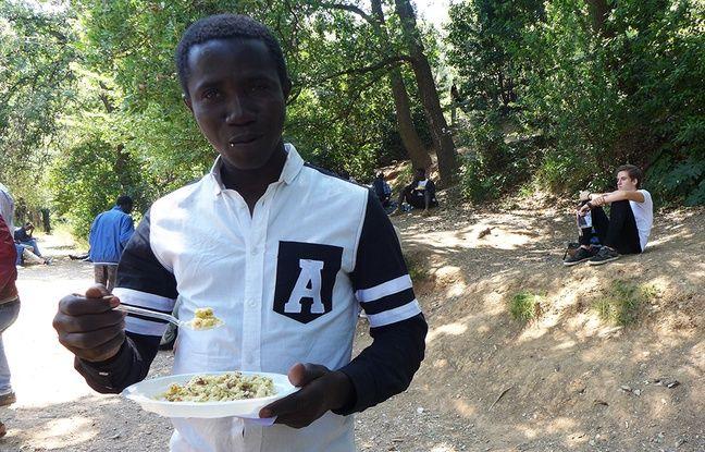 A 17 ans, Sidiki a quitté le Mali pour la France. Il souhaite demander l'asile et devenir plombier ou électricien.