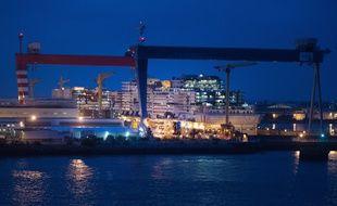 Les chantiers navals STX de Saint-Nazaire.