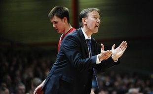 L'entraîneur de Strasbourg (ProA) Vincent Collet, qui est par ailleurs sélectionneur de l'équipe de France messieurs de basket-ball, a annoncé avoir prolongé d'un an son contrat avec la SIG, jusqu'en 2014, mardi lors du point presse organisé pour faire le bilan annuel du club alsacien.