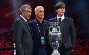 Didier Deschamps entouré des sélectionneurs allemand et portugais, qu'il retrouvera au premier tour de l'Euro 2020.