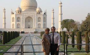 Emmanuel et Brigitte Macron se sont offert une escapade romantique au Taj Mahal durant la visite officielle du chef de l'Etat en Inde.