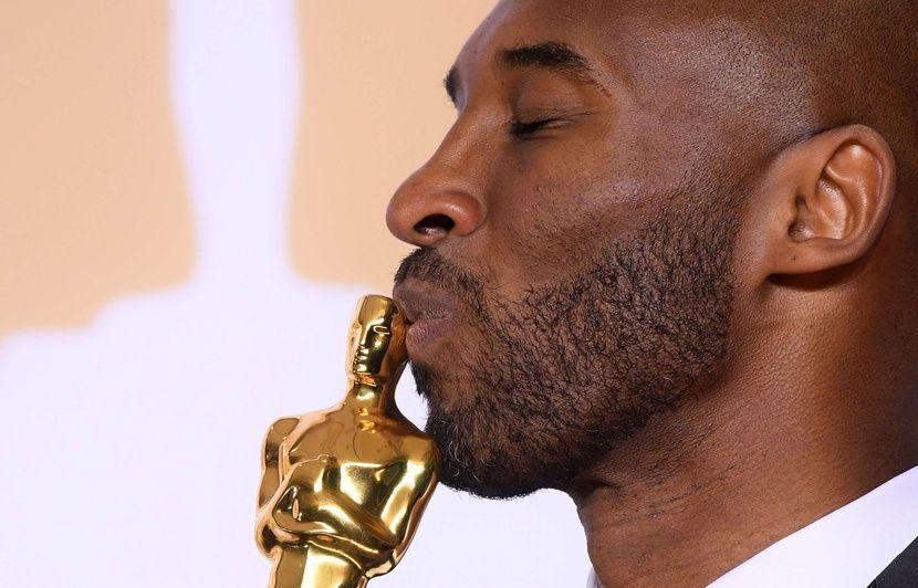 VIDEO. Mort de Kobe Bryant : Le monde du sport rend un vibrant hommage à « une légende », « un héros »