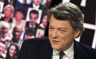 Jean-Louis Borloo lors de l'émission «A vous de juger», sur France 2, le 7 avril 2011.