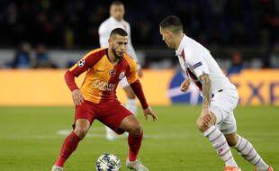 Younès Belhanda face au PSG sous le maillot de Galatasaray, en 2019.