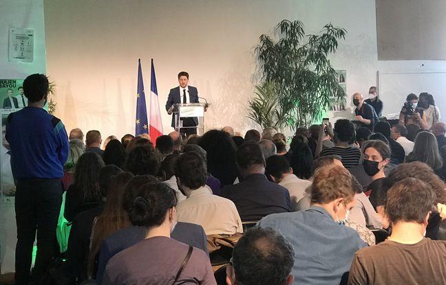 Julien Bayou en meeting.