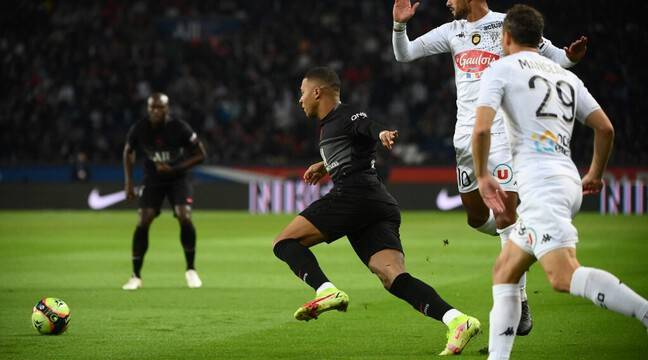 PSG - Angers : Paris confisque déjà le ballon, Mbappé croque devant le but… Suivez le live avec nous