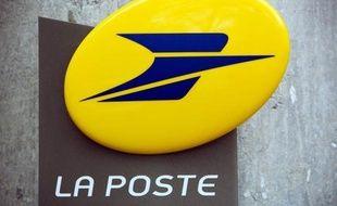 Les syndicats de La Poste ont manifesté mardi unanimement leur déception devant les propositions du PDG du groupe sur les conditions de travail, après le suicide de deux cadres, et annoncé qu'ils allaient adresser une pétition aux employés.