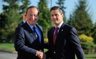 Le président français François Hollande et son homologue mexicain, Enrique Pena Nieto, lors d'une réunion du G20 à Saint Petersbourg, le 6 septembre 2013.