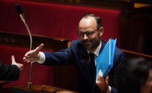 Edouard Philippe tend la main à sa majorité