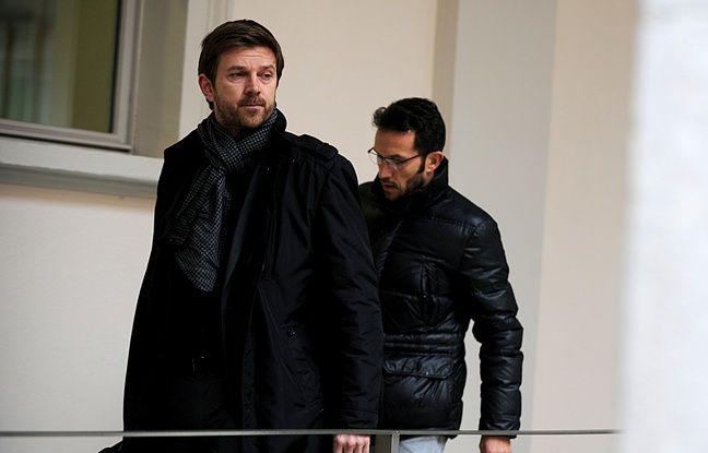 Chambéry, le 11 janvier 2016. Ghislain Anselmini et Jean-François Barre, son avocat, à leur arrivée à la cour d'assises.  - Jean-Pierre Clatot / AFP