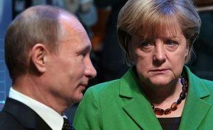 Les deux dirigeants, dont la relation est notoirement tendue, ont fait le tour des stands de ce salon, qui se targue d'être le plus grand au monde dans son domaine, et qui accueillait cette année la Russie comme partenaire officiel.