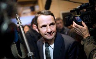 """La réorganisation régionale évoquée par François Hollande vise à aboutir à """"une quinzaine de régions"""", contre 22 aujourd'hui en métropole, a annoncé mercredi le député PS Thierry Mandon, codirigeant du conseil de la simplification voulu par le chef de l'Etat."""