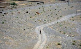 Un soldat pakistanais patrouille à Miranshah le 9 juillet 2014