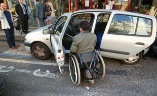 Une dizaine de mesures visent spécifiquement les handicapés