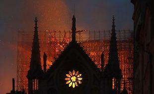 La charpente et le toit de Notre-Dame ont été en grande partie détruits par un incendie le 15 avril 2019 mais la structure de la cathédrale a pu être sauvée.