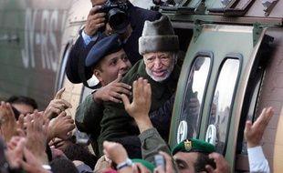 Les juges enquêtant sur la thèse d'un possible empoisonnement de Yasser Arafat ont demandé à se rendre à Ramallah, où est inhumé l'ex-dirigeant palestinien et où des policiers français réaliseront des prélèvements, a annoncé dans un communiqué sa veuve, Souha Arafat.