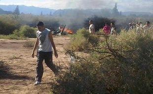 """Collision entre deux hélicoptères sur le tournage de l'émission de télé-réalité """"Dropped"""" le 9 mars 2015 près de la Villa Castelli dans la province de La Rioja en Argentine"""