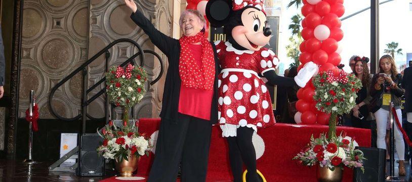 Russi Taylor, la voix de Minnie mouse, et le personnage de Minnie Mouse sur the Hollywood Walk of Fame, à Los Angeles, le 22 janvier 2018.