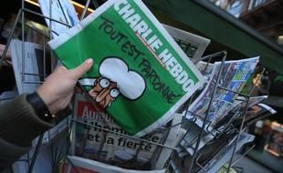 Strasbourg le 14 janvier 2015.  Vente du journal satirique Charlie Hebdo. Les kiosques dévalisés en quelques minutes.
