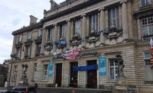 La fac de la Victoire à Bordeaux est bloquée depuis presque un mois.