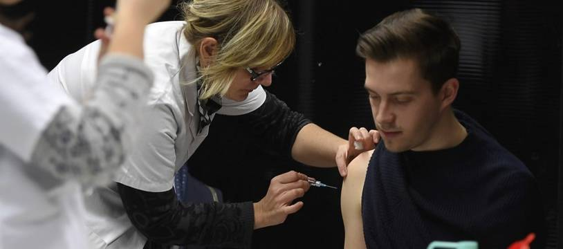 Une campagne de vaccination contre la méningite sur le campus de Dijon en 2017.