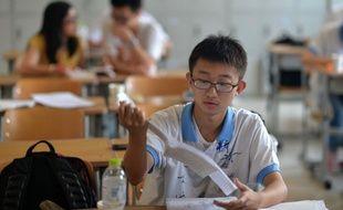 Un élève en salle de cours. Image d'illustration.
