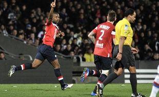 Aurélien Chedjou célébre le but marqué contre Lyon le 10 mars à Gerland.