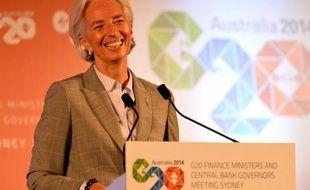 """La dirigeante du FMI, Christine Lagarde, a pris vendredi le contre-pied des autorités ukrainiennes, alarmistes sur l'économie du pays, en récusant toute """"panique"""" et en déplorant la surenchère sur de possibles plans d'aide."""