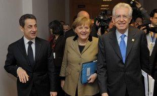 """Les pays de l'Union européenne, à l'exception de la Grande-Bretagne et de la République tchèque, ont adopté lundi soir un nouveau traité renforçant leur discipline budgétaire, avec l'introduction prévue partout de """"règles d'or"""" sur l'équilibre, a annoncé le président de l'UE."""
