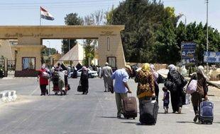 Les forces de sécurité égyptiennes ont tué dimanche six hommes armés lors d'un raid dans un village du Sinaï présenté comme une opération antiterroriste, ont indiqué des témoins à l'AFP.