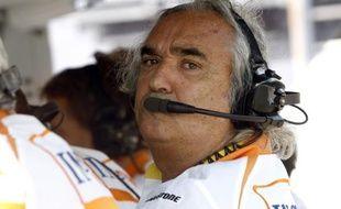 Le patron de l'écurie Renault, Flavio Briatore, lors du Grand Prix de Monza le 12 septembre 2009.